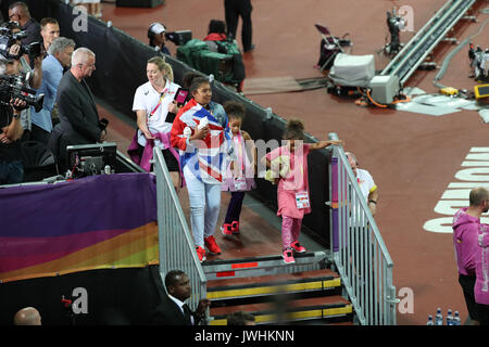 London, UK. 12th Aug, 2017.  Mo Farah's family on day nine of the IAAF London 2017 world Championships at the London - Stock Photo