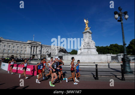 London, UK. 13th Aug, 2017. Athletes compete during the 50km race walk on Day 10 at the IAAF World Championships - Stock Photo