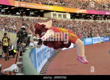 London, UK. 13th Aug, 2017. Hero the Hedgehog somersaults onver the hoarding. IAAF world athletics championships. - Stock Photo
