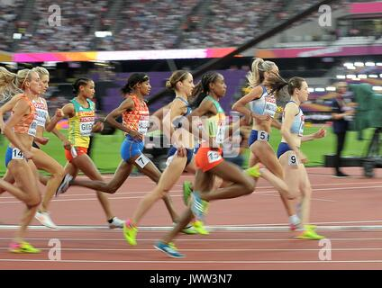London, UK. 13th Aug, 2017. Eilish MCCOLGAN (GBR) and Laura MUIR (GBR) in the womens 5000m final. IAAF world athletics - Stock Photo