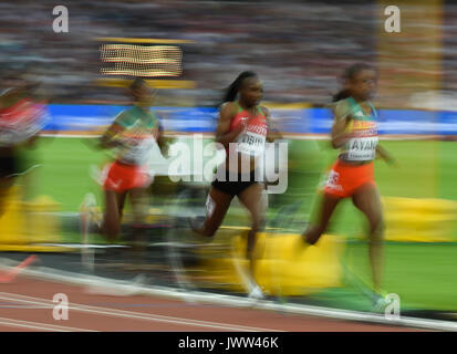 London, UK. 13th Aug, 2017. The whole field in the 5000 meter final in London at the 2017 IAAF World Championships - Stock Photo
