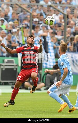 Dario LECZANO FARINA (FC Ingolstadt),Aktion,Zweikampf gegen  Daniel Wein (TSV Munich 1860). Fussball TSV Munich 1860-FC Ingolstadt 1-2, DFB Pokal,1.Runde,Saison 2017/18    am 13.08..2017,Stadion an der Gruenwalder Strasse. | Verwendung weltweit