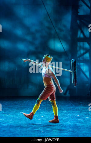 London, UK. 14th August, 2017. Preparing for the next act - Cirkus Cirkör perform the UK premiere of Limits at Southbank - Stock Photo