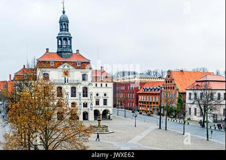 Lüneburg, Marktplatz mit Rathaus; Lüneburg, Market square with townhall - Stock Photo