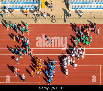 Competitions and organizers announcement on the red running track in Jahnstadion Bottrop, Federal Youth Games, Spportler, - Stock Photo