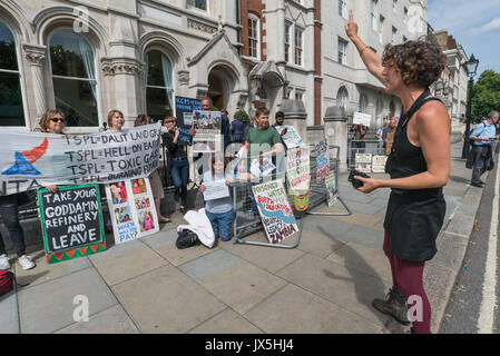 London, UK. 14th Aug, 2017. London, UK. 14th August 2017. Grass roots campaign Foil Vedanta hold a noisy protest - Stock Photo