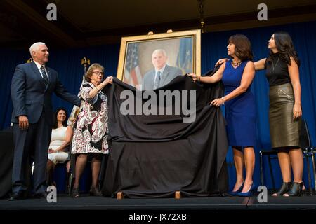 U.S. Vice President Mike Pence, left, watches as his mother Nancy Pence, wife Karen Pence, and daughter Audrey Pence - Stock Photo