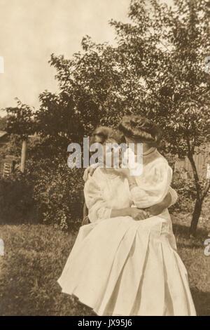 Women  having fun. Minnesota 1907 1908 - Stock Photo