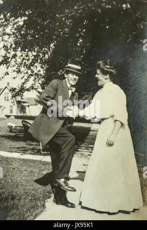 Women and men having fun. Minnesota 1907 1908 - Stock Photo