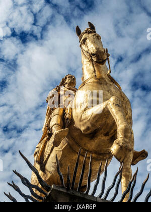 Gilded Horseback King William Statue in Market Place Hull Yorkshire England - Stock Photo