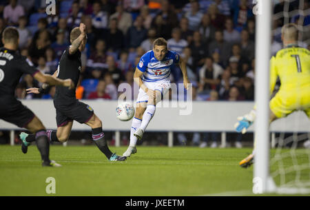Reading, UK. 15th Aug, 2017. Adrian Popa of Reading scores a goal to make it 1 0 during the Sky Bet Championship - Stock Photo