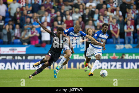 Reading, UK. 15th Aug, 2017. Joshua Onomah of Aston Villa battles Joey van den Berg of Reading during the Sky Bet - Stock Photo
