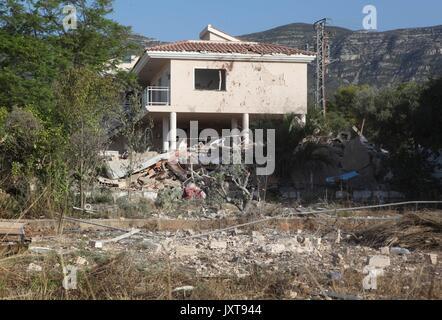 Alcanar, Tarragona, Spain. 17th Aug, 2017. A view of a house in Alcanar, Tarragona, after an explosion last night - Stock Photo
