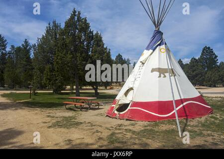 Native Indian Teepee Tent in Rubyu0027s Inn C&ground on doorstep to Bryce Canyon National Park Utah & Authentic Indian teepee or tipi tent in Arizonau0027s Navajo country ...