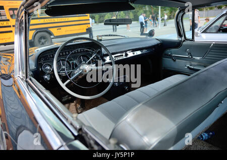 Wroclaw, Poland. 18th August, 2017. Motoclassic - classic and vintage cars rally in Wroclaw, Poland. In the picture: - Stock Photo