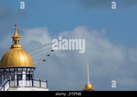 Eastbourne, UK. 18th Aug, 2017. Red Arrows performing at Airbourne 2017 Credit: Andrew Shawcross/Alamy Live News - Stock Photo