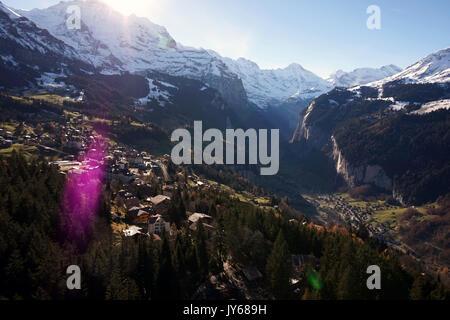 Luftaufnahme von Lauterbrunnen und Wengen *** Local Caption *** Wengen, Switzerland, Berne, Interlaken, Aerial View, - Stock Photo