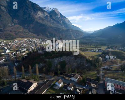 Luftaufnahme der Burg Gutenberg in Balzers im Fürstentum Liechtenstein *** Local Caption *** Balzers, Lichtenstein, - Stock Photo