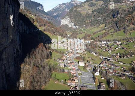 Luftaufnahme Gemeinde Lauterbrunnen *** Local Caption *** Berne, Wengen, Village, Switzerland, Aerial View, aerial - Stock Photo