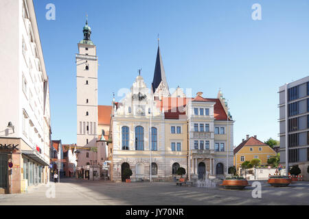 Altes Rathaus mit Pfeifturm, Rathausplatz, Ingolstadt, Oberbayern, Bayern, Deutschland, Europa  I  Oldt City Hall. - Stock Photo