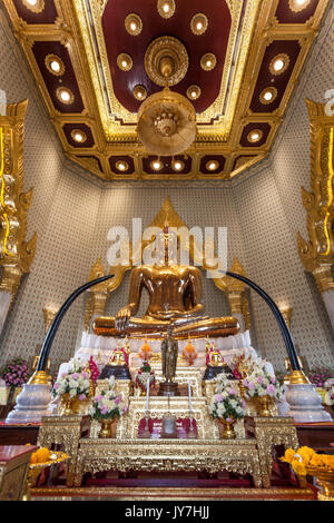 Pure Golden Buddha statue at Wat Traimit temple in Chinatown, Bangkok, Thailand - Stock Photo