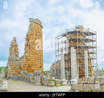 The ruins of ancient Hellenistic gate, consisting of two circle towers, Perge, Antalya, Turkey. - Stock Photo