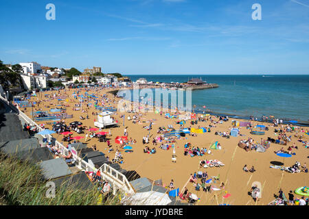 View of Viking bay beach on a sunny day, Broadstairs seaside town, Kent, England, UK - Stock Photo