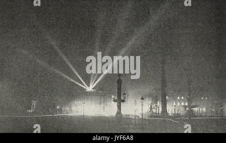 Night time air raid on Paris during WW1 - Stock Photo