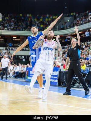 Copper Box Arena, London, UK, 19th August 2017. Gareth Murray, GB (11) watches a shot. Tensions run high in the - Stock Photo