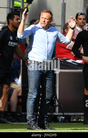 Mainz, Deutschland. 19th Aug, 2017. Andre BREITENREITER, Trainer (Hannover96), Gestik, Einzelbild, Freisteller, - Stock Photo