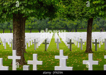 Rows of white marble headstones in Meuse-Argonne WW1 American Military cemetery, Meuse, France - Stock Photo