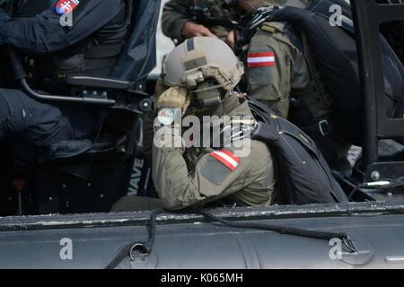 Vienna, Austria. 21st Aug, 2017.   EKO Cobra / DSE and international police special units from Germany, Slovakia, - Stock Photo