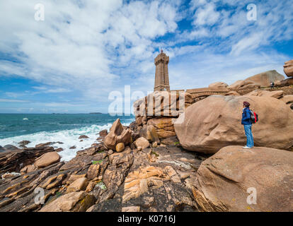 France, Brittany, Cotes d'Armor department, Cote de Granit Rose, Ploumanac'h lighthouse at the Sentier des Douaniers - Stock Photo