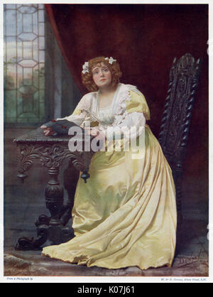 Eva Moore (1868 - 1955), English stage and film actress who was active in the women's suffrage movement. Her daughter, - Stock Photo