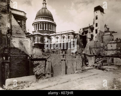 Bomb damage in London - St. Paul's Cathedral from Distaff Lane.     Date: circa 1943 - Stock Photo