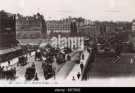 A superb (and very unusual and rare view) showing traffic on Waterloo Bridge, London.     Date: circa 1905 - Stock Photo