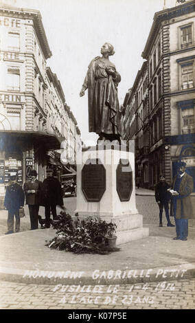 Monument to Gabrielle Petit (1893-1916) in the Place Saint Jean, Brussels, Belgium. She was a Belgian woman who - Stock Photo