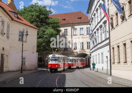 old tram prague street - photo #15