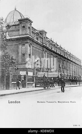 Madame Tussaud's waxwork museum, Marylebone Road, London.      Date: circa 1905 - Stock Photo