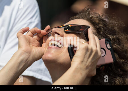 Jersey City, United States. 21st Aug, 2017. Popular Observe Solar Eclipse At Liberty State Park in the city of Jersey - Stock Photo