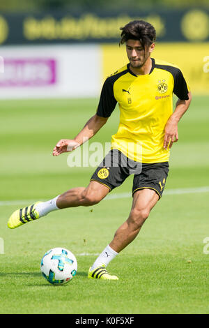 Mahmoud DAHOUD (DO) mit Ball, Einzelaktion mit Ball, Aktion,  Fussball 1. Bundesliga, Training, Borussia Dortmund - Stock Photo