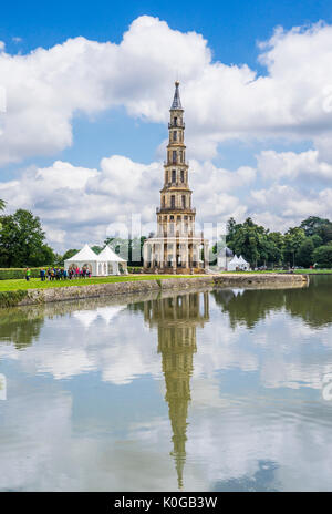 France, Indre-et-Loire department, the Pagode de Chanteloup reflecting in the 3 hectare Jumeaux pond at the park - Stock Photo