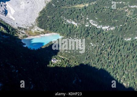Sorapiss, Dolomites, Veneto, Italy. The Sorapiss Lake and the refuges Vandelli - Stock Photo