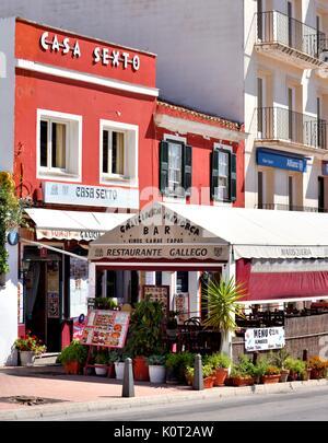 Street cafe restaurant restaurants mahon menorca minorca - Stock Photo