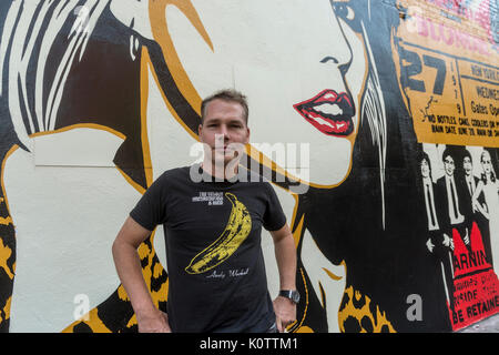 New York, USA. 23rd Aug, 2017. Shepard Fairey, and his newly completed mural. The mural features Debbie Harry, lead - Stock Photo