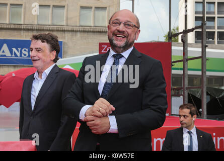 Essen, Germany. 24th Aug, 2017. Social democratic candidate for chancellor Martin Schulz speaks at a campaign rally. - Stock Photo