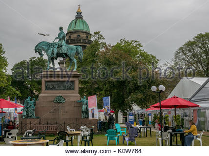 Edinburgh, Scotland, United Kingdom, 25th August 2017.  Statue of Prince Albert Consort astride a horse in centre - Stock Photo