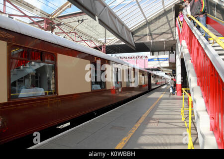 A Pullman carriage at Platform 5, Crewe Station, currently (2017) one of the platforms used for the Virgin West - Stock Photo