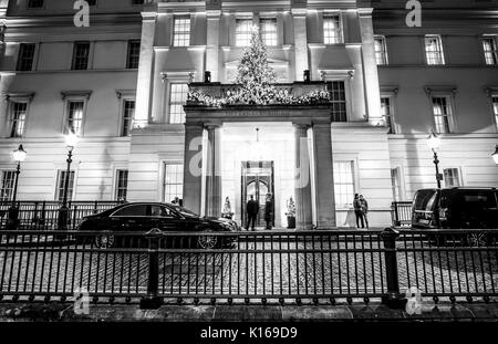 Main Entrance of Lanesborough hotel in London - LONDON / ENGLAND - DECEMBER 6, 2017 - Stock Photo
