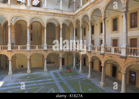 Sicily, city of Palermo, the courtyard of the Palazzo Reale, the royal palace, also known as the Palazzo dei Normanni - Stock Photo